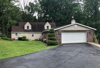 819 Imperial Drive Mohnton PA 19540
