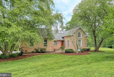605 Holly Court York PA 17406