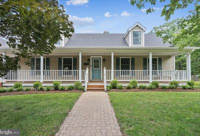18929 Fisher Avenue Poolesville MD 20837