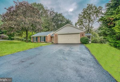 2566 Forest Knoll Annapolis MD 21401