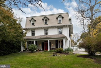 219 W Linden Street Kennett Square PA 19348
