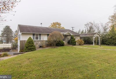 61 Willow Glen Road Morgantown PA 19543
