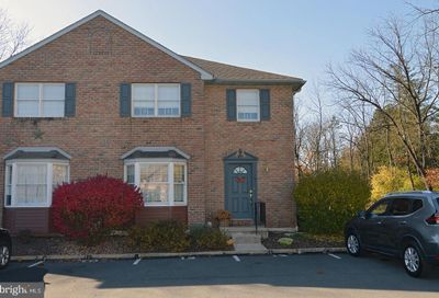 12 Windsor Court Reading PA 19606