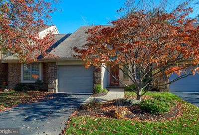 214 Willow Valley Drive Lancaster PA 17602