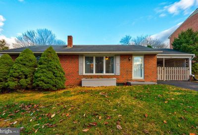 28 Catawba Circle Hagerstown MD 21742