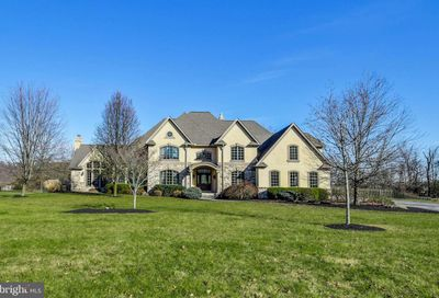 1529 Jakes Place Hellertown PA 18055