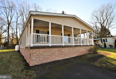 246 Wooded Dr Doylestown PA 18901