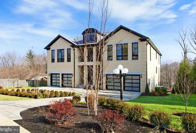 6122 Franklin Park Road Mclean VA 22101