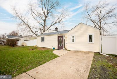 52 Incurve Road Levittown PA 19057