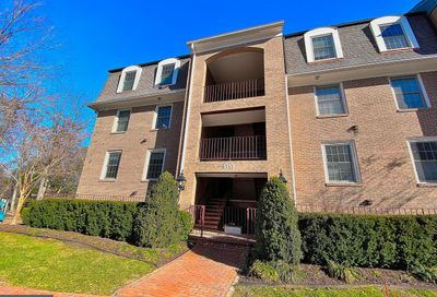 5717 Brewer House Circle T-1 Rockville MD 20852