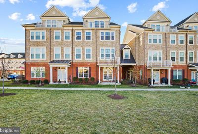 42592 Sunset Ridge Square Ashburn VA 20148