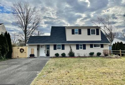 46 Iroquois Road Levittown PA 19057