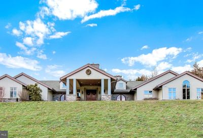 8 Chestnut Hill Drive Mohnton PA 19540