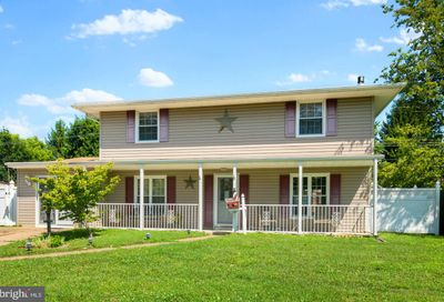 81 Terrace Road Levittown PA 19056