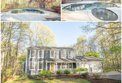 689 Lake Drive Westminster MD 21158