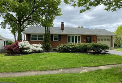 16 Cherrywood Road Wyomissing PA 19610