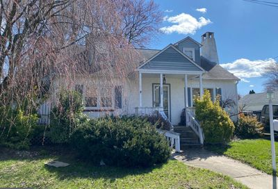 526 6th Avenue Warminster PA 18974