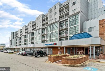 2702 Lighthouse Point E 528 Baltimore MD 21224