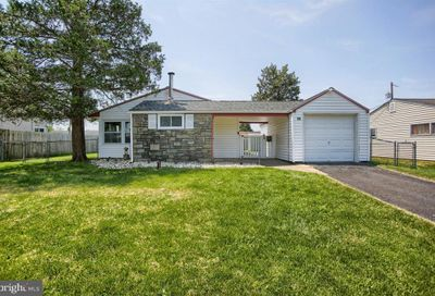 59 Incurve Road Levittown PA 19057