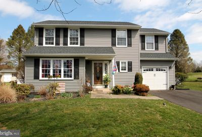 235 Burgundy Lane Newtown PA 18940