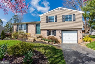 2711 Valley Drive Lancaster PA 17603