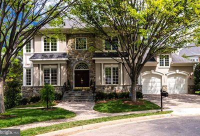 7401 Old Maple Square Mclean VA 22102