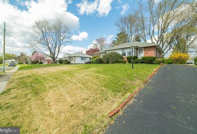 2751 Brierwood Road Broomall PA 19008