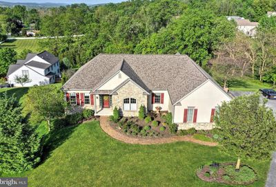 4250 Peach Orchard Hollow York PA 17402