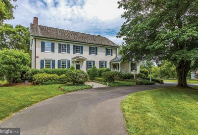 449 Woodhill Road Washington Crossing PA 18977