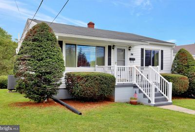 94 Jefferson Avenue Charles Town WV 25414