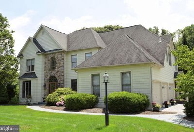 68 Alexander Court Newtown PA 18940