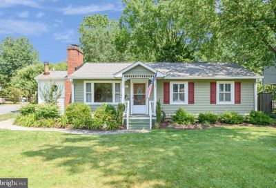 3611 S River Terrace Edgewater MD 21037