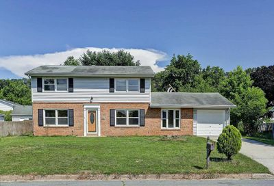302 S Lincoln Avenue Sterling VA 20164