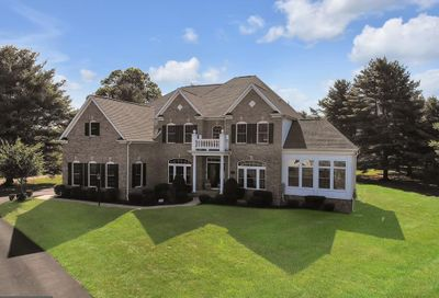 7 Frost Court Warminster PA 18974