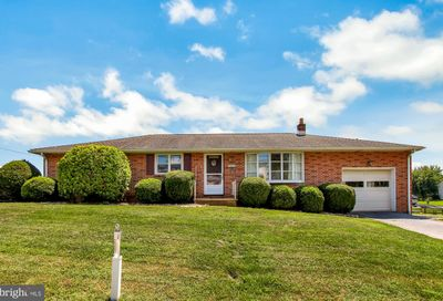 52 W Maple Street Wrightsville PA 17368