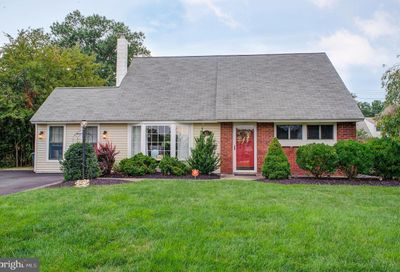 63 Harmony Road Levittown PA 19056