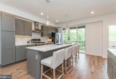 4443 River Ridge Court 13 Philadelphia PA 19129