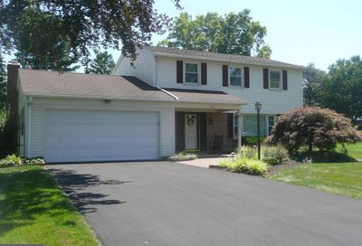 106 Crestview Avenue New Holland PA 17557