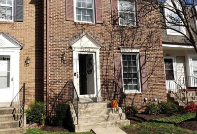 5903 Grisby House Court Centreville VA 20120