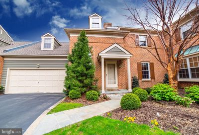 32 Hibiscus Court Doylestown PA 18901