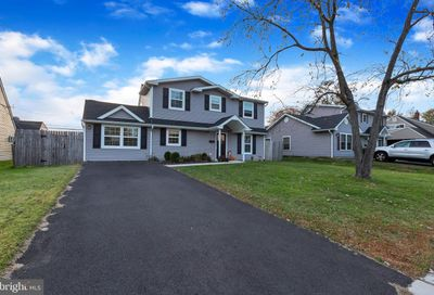 15 Grapevine Road Levittown PA 19057