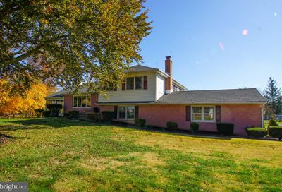 244 Forrest Drive Chalfont PA 18914