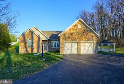 1025 Cranberry Lane W York PA 17402