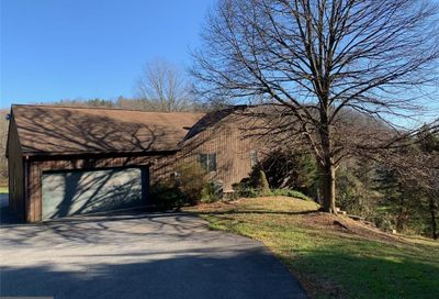 21 Eagle Point Road Kutztown PA 19530