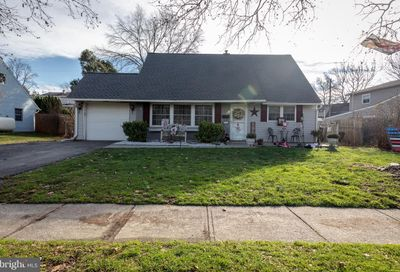 86 Quincy Drive Levittown PA 19057