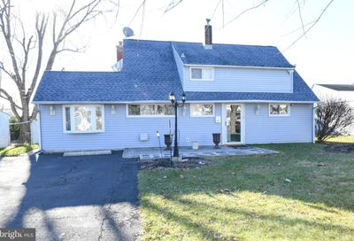 40 Inland Road Levittown PA 19057