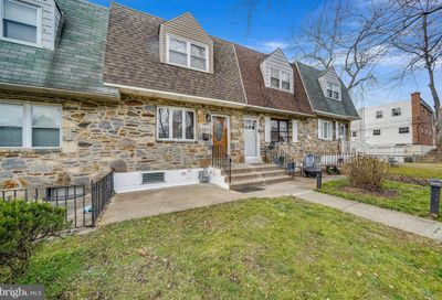 813 Windsor Circle Folcroft PA 19032