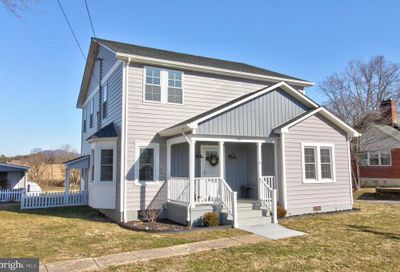 161 Reservoir Avenue Luray VA 22835