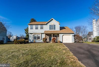 305 Hampton Circle Perkasie PA 18944