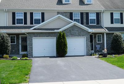 240 Lakeside Crossing Mount Joy PA 17552